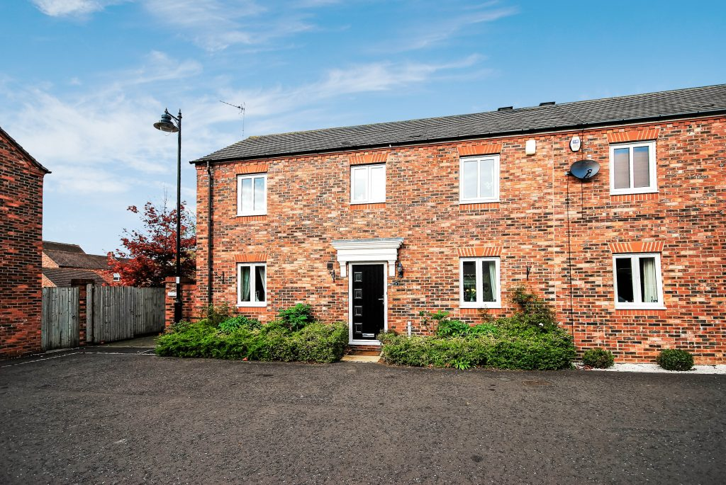 3 BEDROOM SEMI-DETACHED HOUSE, CHIPCHASE MEWS, NEWCASTLE GREAT PARK