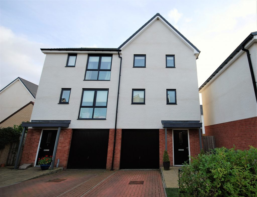 3 BEDROOM SEMI-DETACHED TOWNHOUSE, LEASINGTHORNE WAY, NEWCASTLE GREAT PARK
