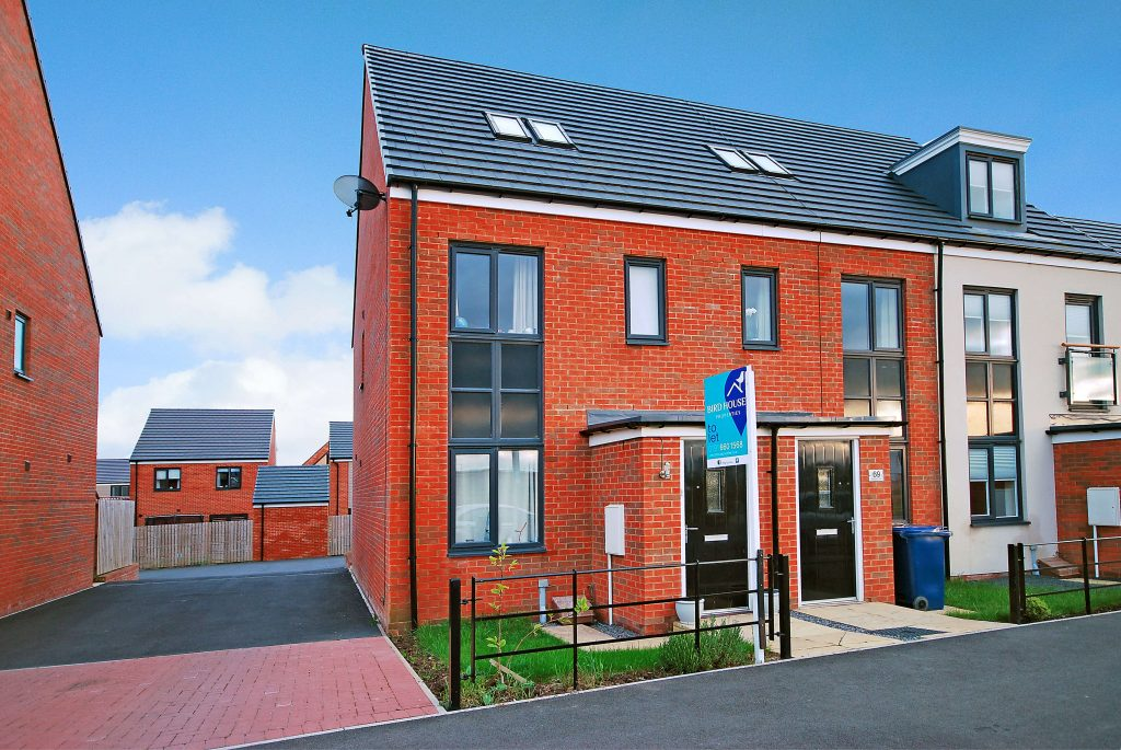 3 Bedroom Townhouse to Let on Roseden Way, Newcastle Great Park