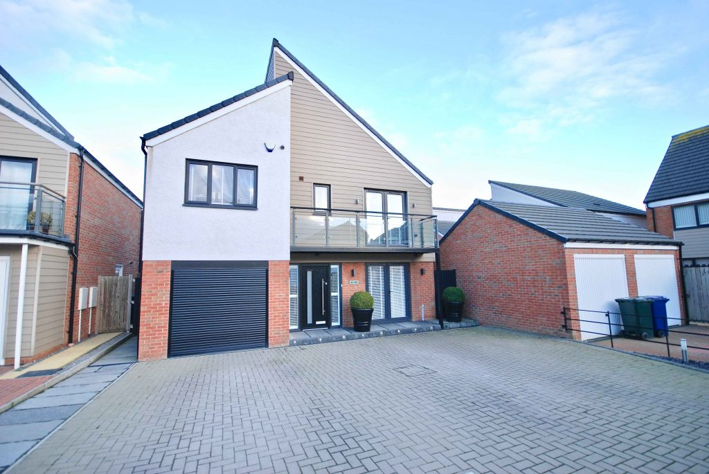 4 BEDROOM DETACHED HOUSE ON BOWDEN CLOSE, NEWCASTLE GREAT PARK