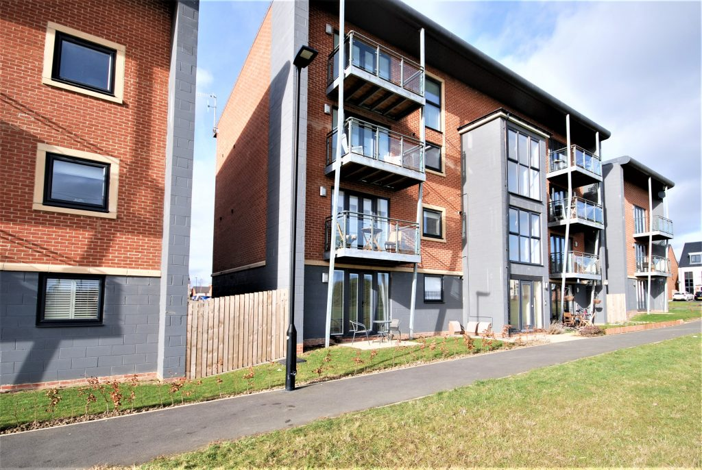 2 Bedroom Ground Floor Apartment to Let on Elmwood Park Court, Newcastle Great Park