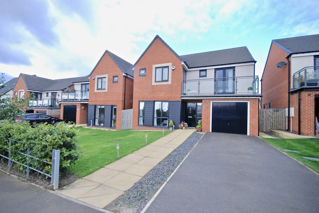 4 Bedroom Detached House for Sale on Oakwood Drive, Newcastle Great Park