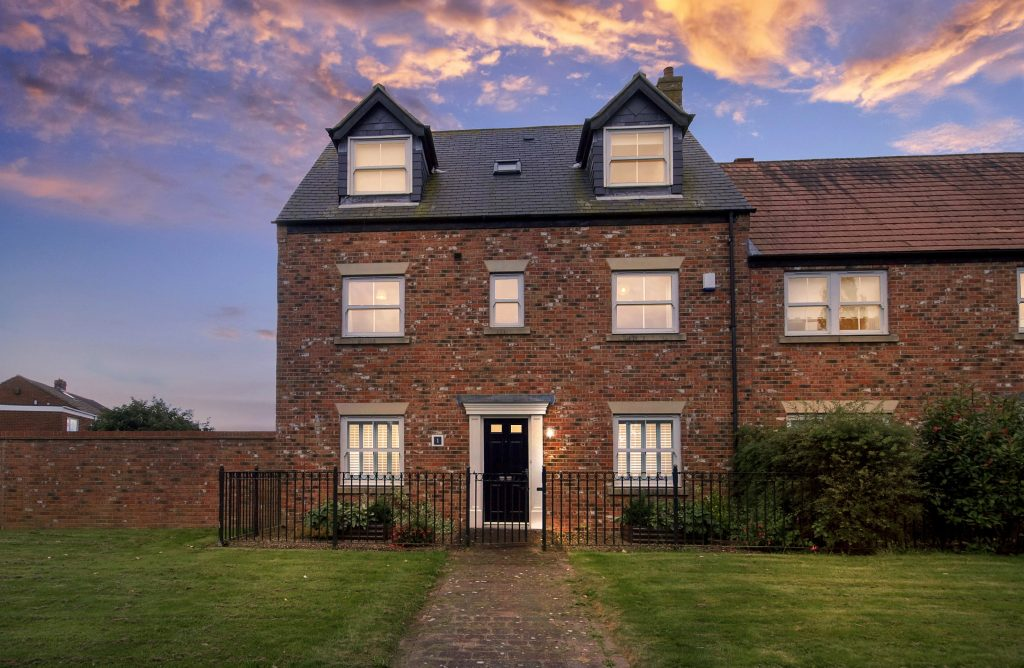 5 BEDROOM EXTENDED TOWNHOUSE SOLD ON NETHERWITTON WAY, NEWCASTLE GREAT PARK