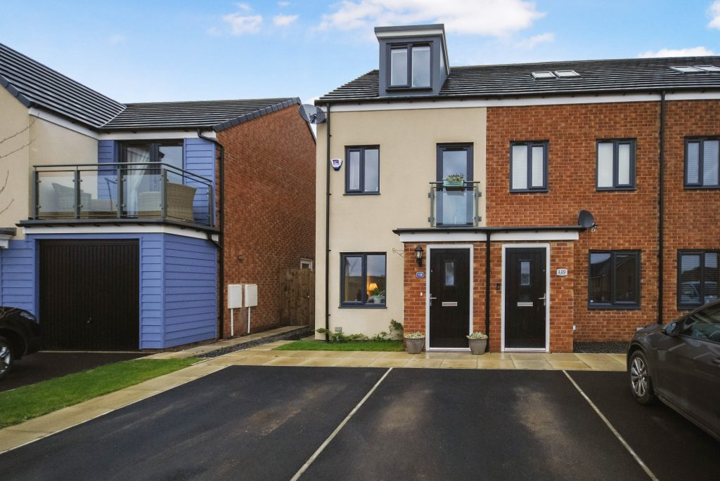 3 Bedroom Townhouse for Sale on Roseden Way, Newcastle Great Park