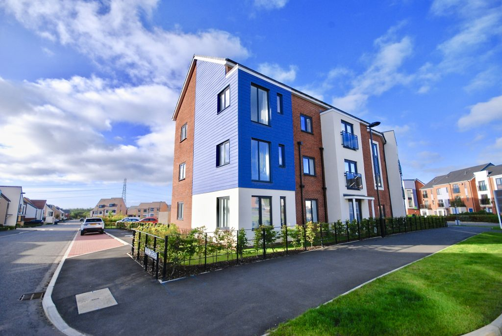 2 BEDROOM APARTMENT LET ON HERON CRESCENT, NEWCASTLE GREAT PARK