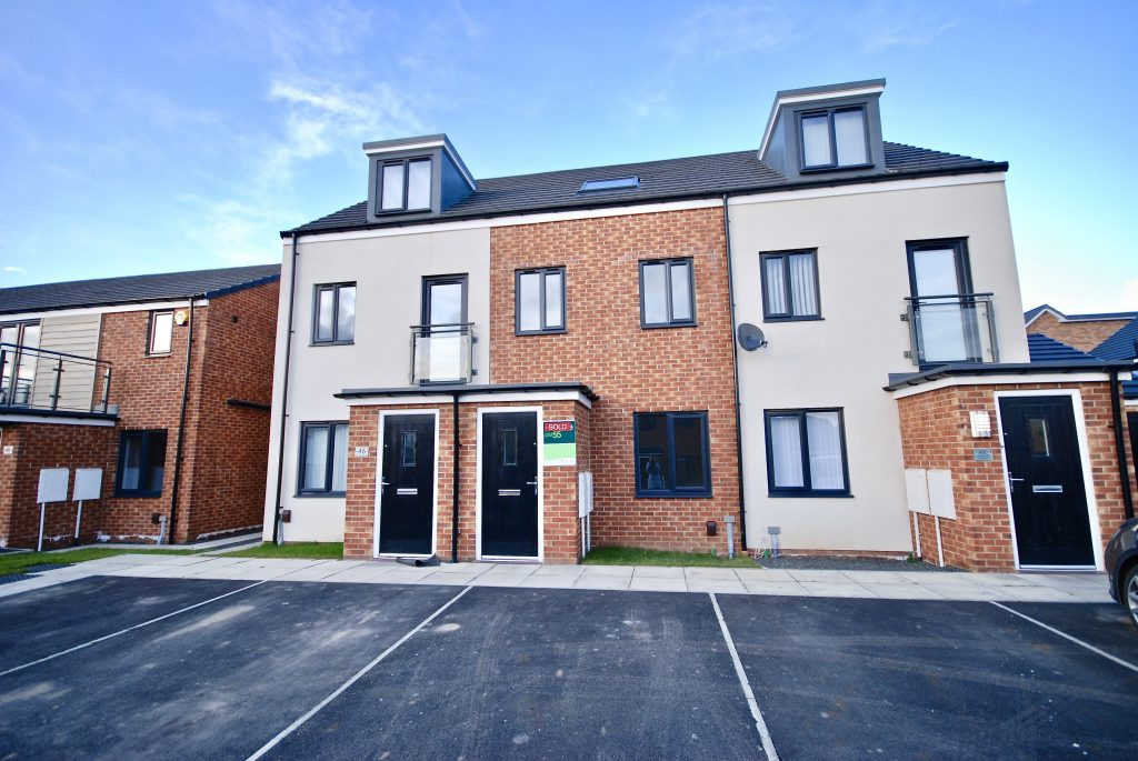 3 Bedroom Townhouse to Let on Orangetip Gardens, Newcastle Great Park