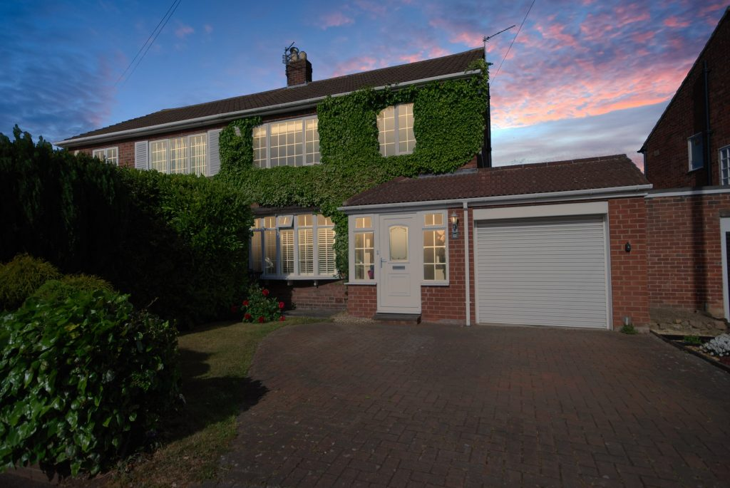 3 Bedroom Semi-detached House for Sale on Princes Road, Brunton Park, Gosforth