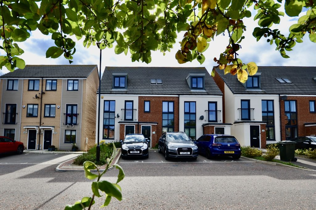 3 Bedroom Townhouse Available to Rent on Elmwood Park Court, Newcastle Great Park