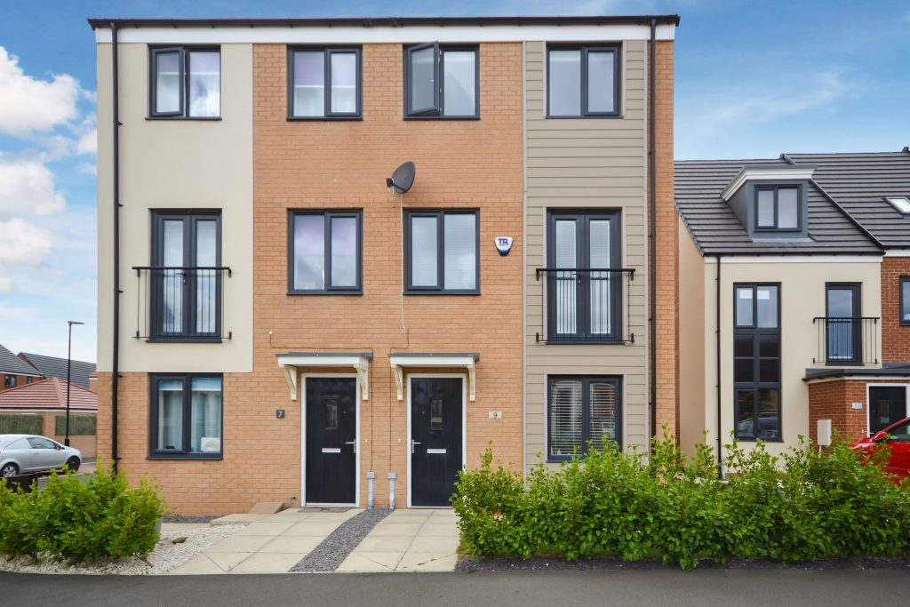 3 Bedroom Townhouse Available to Let on Elmwood Park Gardens, Newcastle Great Park